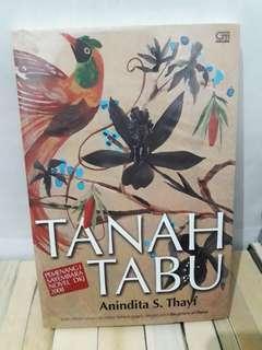 Novel Tanah Tabu