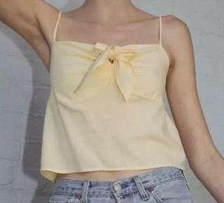 🚚 BN brandy melville yellow sasha top