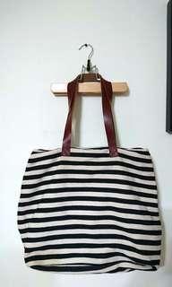 (全新)黑白條紋大容量側背包