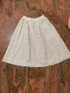 🚚 專櫃長裙