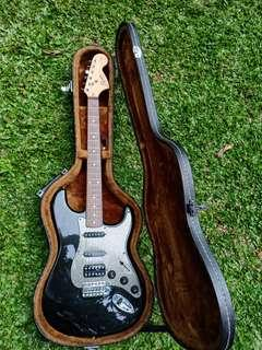 Squier Affinty 2005 Stratocaster HSS Original (include hardcase)