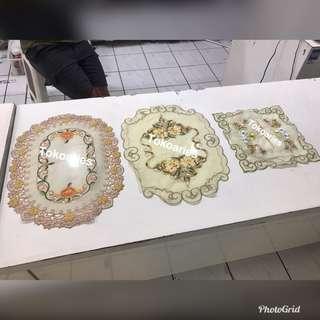 Taplak meja /souvenir /sarung tissue