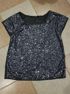 Preloved FOREVER 21 GLITTERY TOP (SMALL)