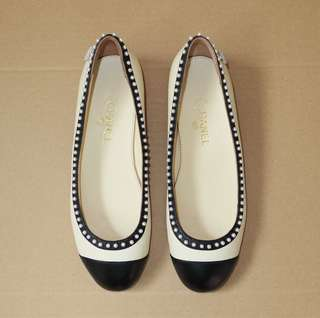 d3015d00e3aa6 Authentic CHANEL Pearl Flats