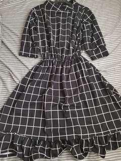 BNEW w/out Tags BLACK PLAID DRESS 3/4 SLEEVES
