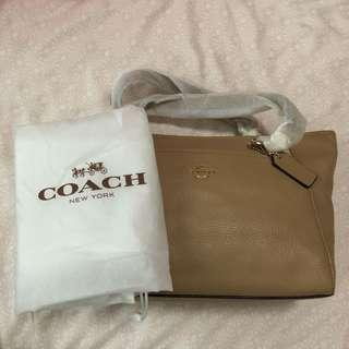 BNWT Authentic Coach Ellis Bag in Nude from local coach store
