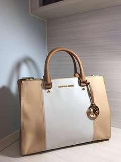 Michael Kors bag (100%real 95%new)
