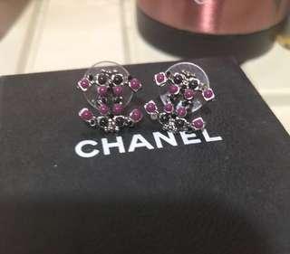 Chanel黑併紫色耳環