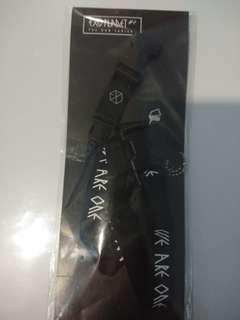 [WTS] EXO official Lightstick strap with lay tag