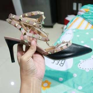 Preloved Valentino Super Mirror Kitten Heels