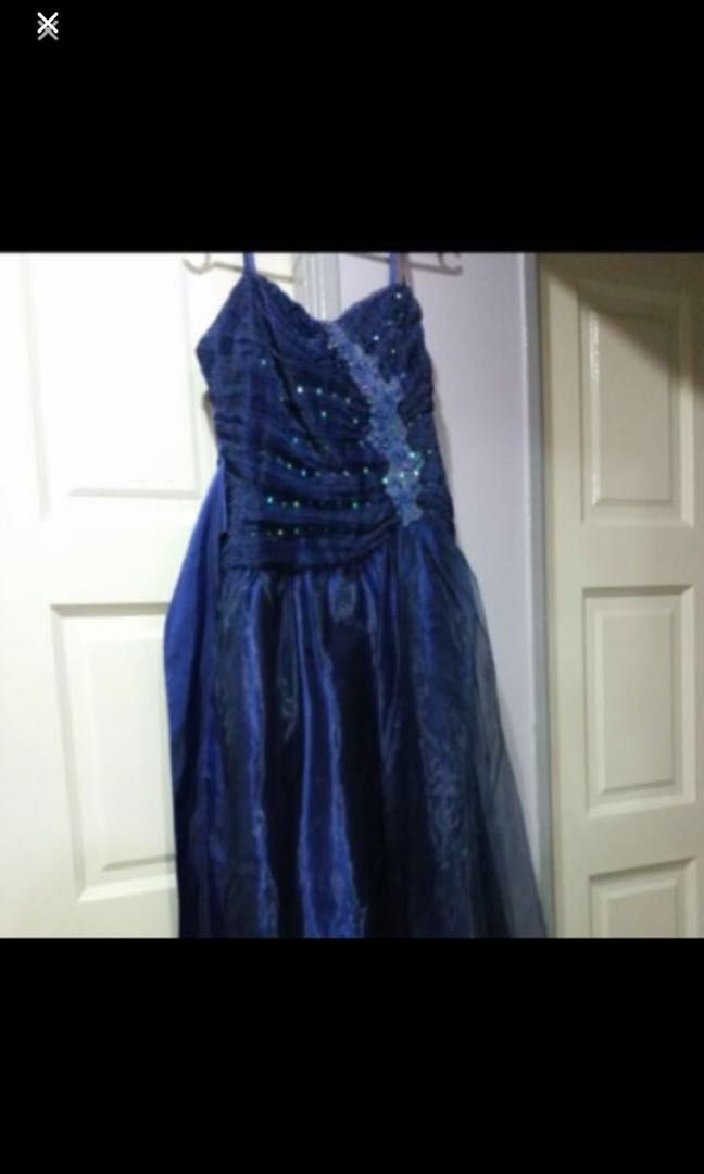 10731c8796d201 Almost New Wedding Dress XL Size.. Wore Once Only ..