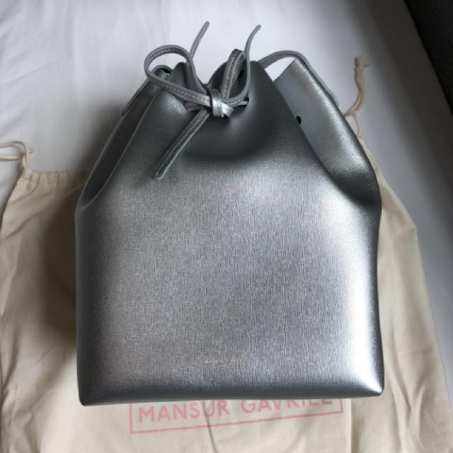 0eb41f936215e Brand New Limited Edition Mansur Gavriel Bucket Bag in Silver ...