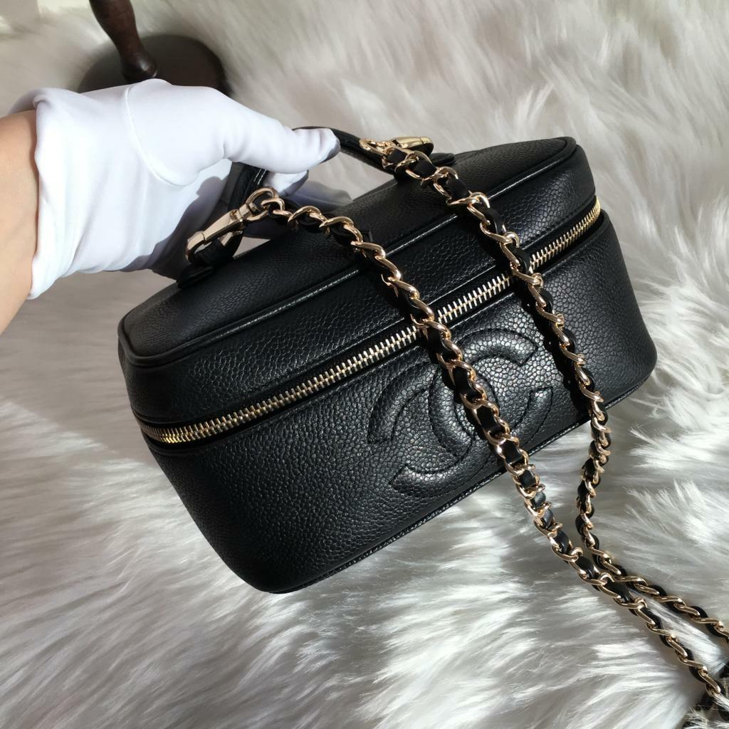 0f6025f6a804 CHANEL VINTAGE COSMETIC BAG CAVIAR LEATHER BLACK on Carousell