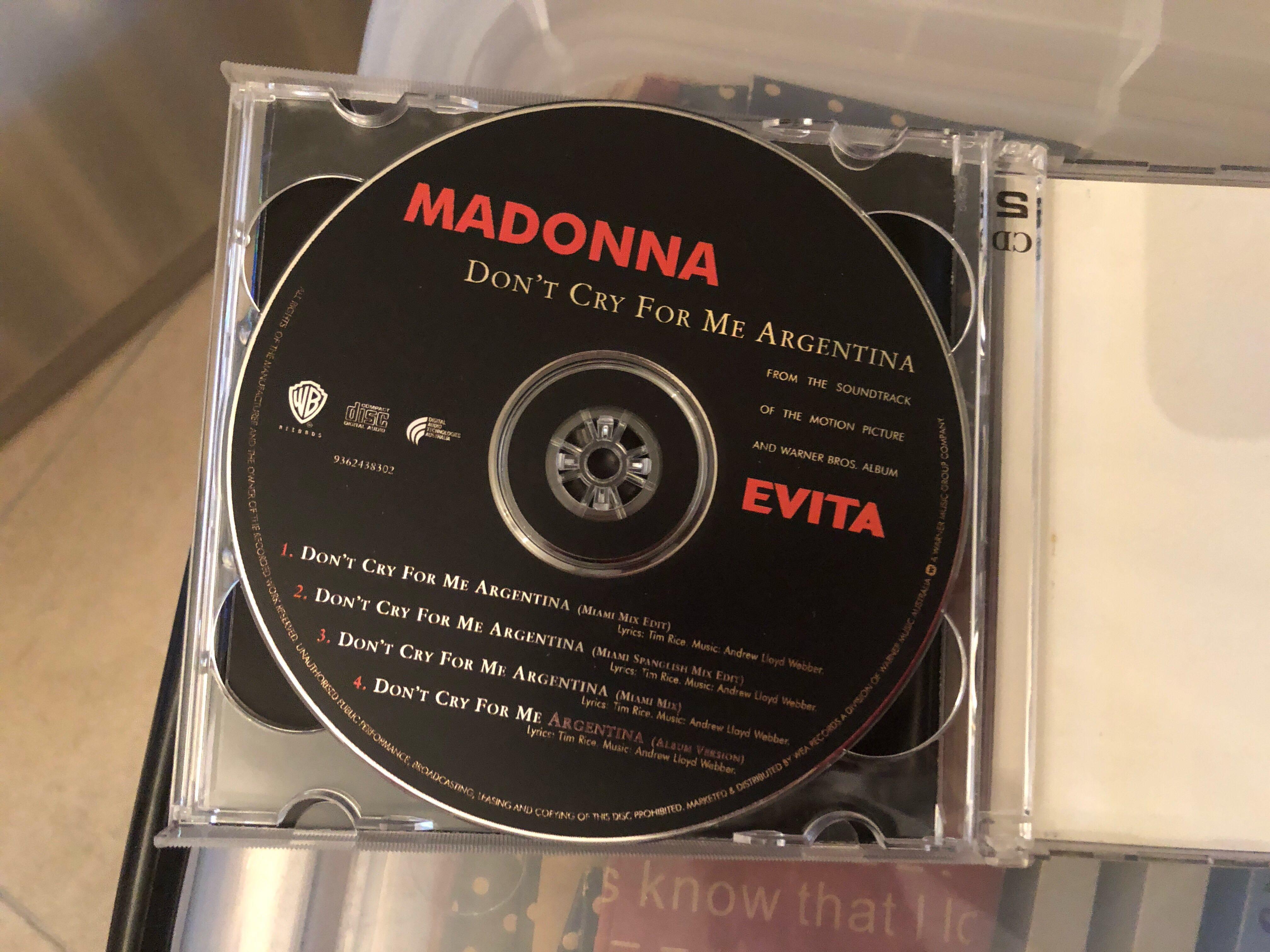 罕有!Madonna 全球限量特別版 雙CD Singles 附送海報
