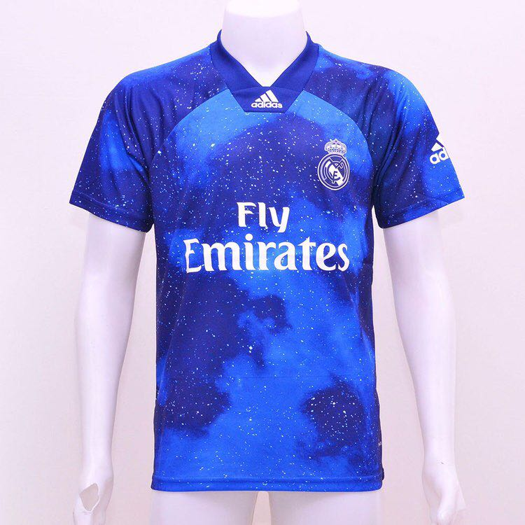 outlet store 49451 27b62 Real Madrid EA SPORTS kit