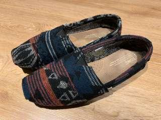 Toms 民俗風 帆布鞋