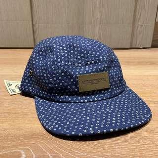 Obey 藍色點點帽子