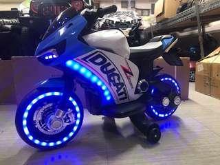 Ducati Rechargeable Ride Motorcycle Big Bike Motorbike