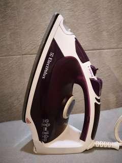 Electrolux cloth ironing