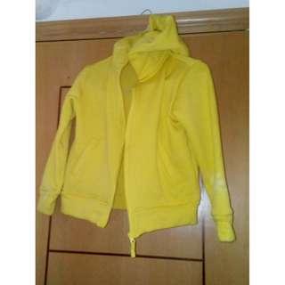 女童黄色外套