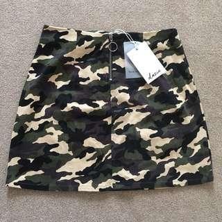 BNWT Dazie Camo Skirt size 12