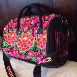刺繡袋 - 在特色店型格鋪頭的 刺繡相當精美