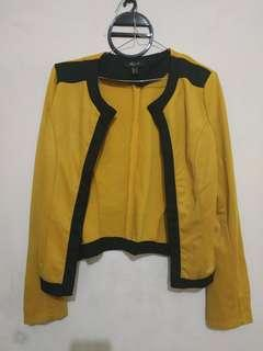 Magnolia Mustard Outer