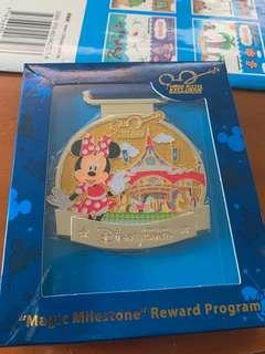 迪士尼徽章 全新Minnie mouse HONG Kong Disney
