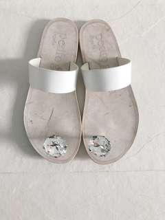 Pedro García sandals