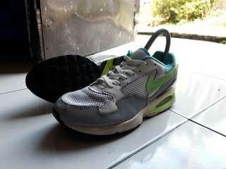 Sepatu Second NIKE AIR MAX ORIGINAL Size 38 Kondisi Tempur Apa Adanya