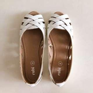 Rubi Flat Shoes 🌸