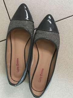 ⭐️ 灰色矮踭鞋
