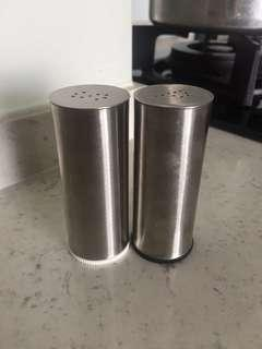 🚚 Stainless Steel Salt and Pepper Holder