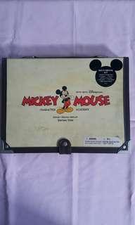 Mickey Mouse sketchbook kit