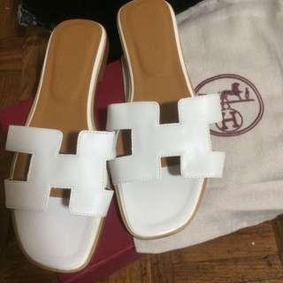 Hermes oran white box calf leather us 8 flats slip on