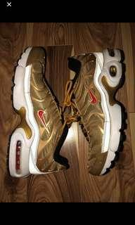 Nike Gold Air Max Plus