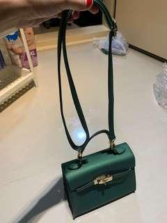 Kelly Jelly Matte Handbag Green Colour