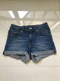 🚚 BNWT Denim Shorts H&M
