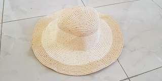 Topi Pantai Made in China