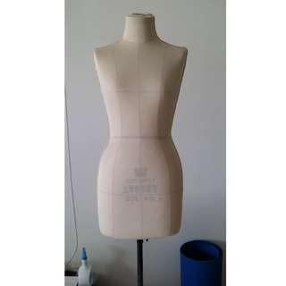 (Urgent!!)Female Mannequin, Dummy Size M (For draping, can be pinned)