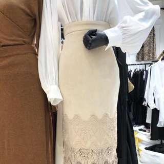 麂皮蕾絲裙