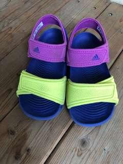 🚚 Adidas兒童涼鞋14公分