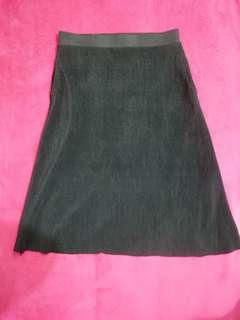 Preloved Clothes 36 (Black Skirt)
