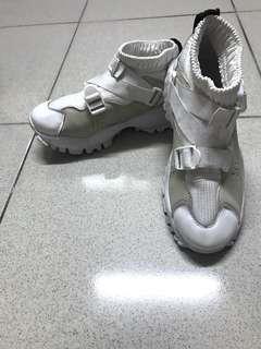 🚚 厚底運動鞋