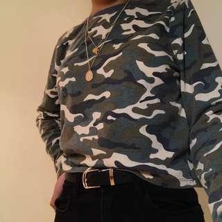 camo long sleeve crop top