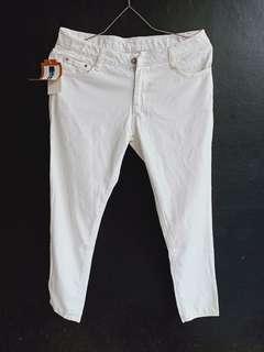 Jeans Putih wanita