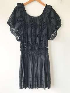 黑色蕾絲鏤空洋裝