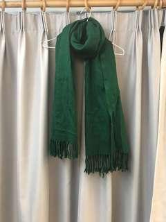 墨綠色頸巾