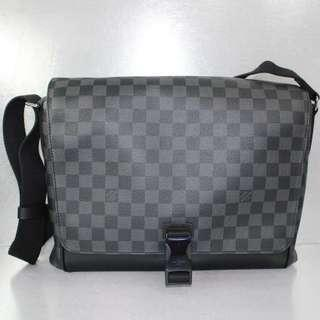 LV Damier Graphite Skyline Messenger MM