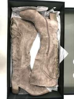 100% New ❤️ Venilla Suite Suede Boots Size 38 - Must have Item! Original at $2499
